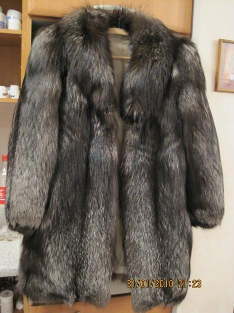 Prodám Dámský luxusní kožich pravá kožešina stříbrná liška vel 40 ... 3e725e7c68