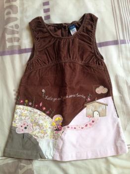 manžestrové šaty s výšivkou