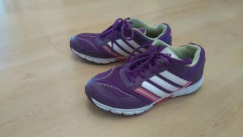 Prodám dětskou sportovní obuv ADIDAS.
