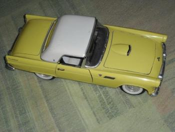 Ford Thunderbind 1957 Road Fough 1.18 Made in China