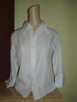 Pěkná bílá košile