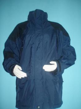 Pěkná černo-modrá zimní bunda