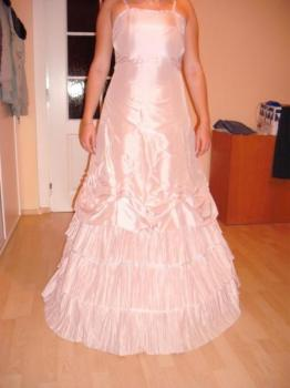 Plesové šaty 1x použité !