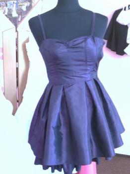 prodám dívčí šaty