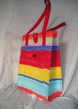 pruhovaná taška