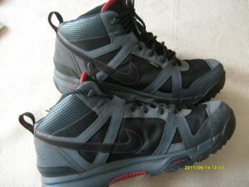 Sportovní trek.botypánské zn.Nike-Rongbuk vel.11-