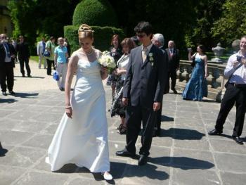 Svatební šaty pro vyšší nevěstu