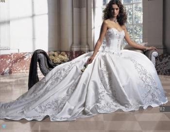 Svatební šaty šité na zakázku