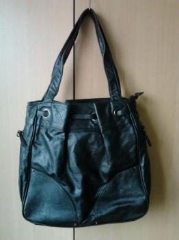 Tmavě zelená koženková kabelka